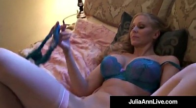 Anne, Julia, Strip, Anne milf, Ann
